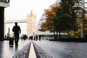 ישראלים עובדים בלונדון