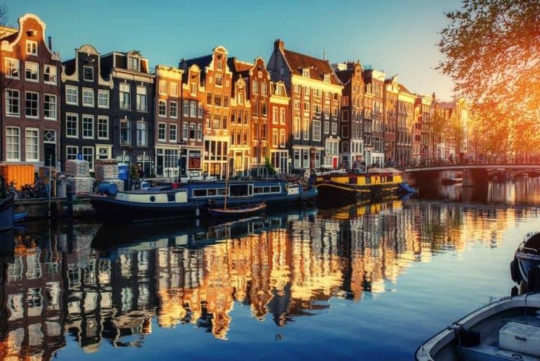 עבודה באמסטרדם ללא דרכון אירופאי